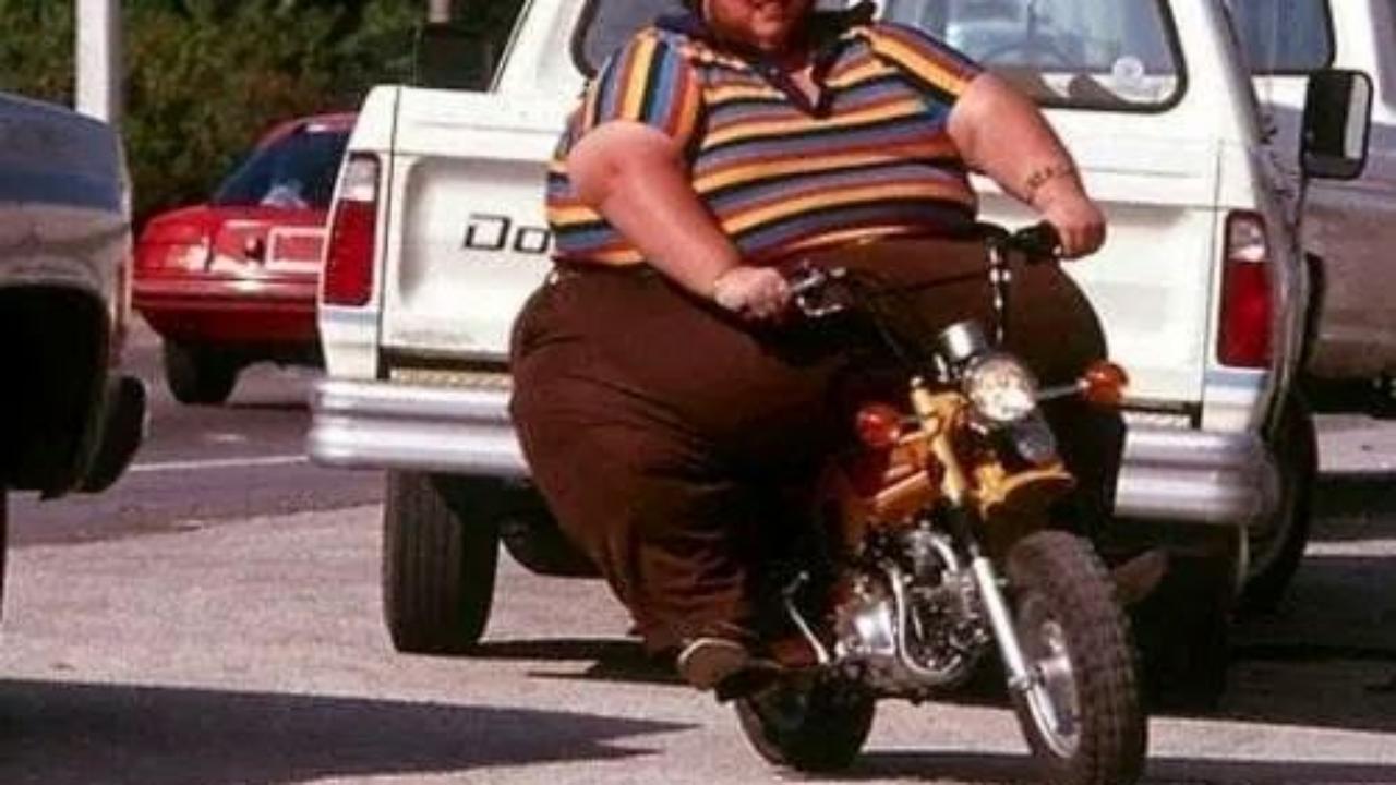体重を減らしたほうがいいと考える